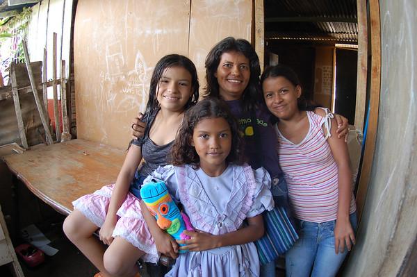 Nicaragua trip w Julia & Emily Sept 06